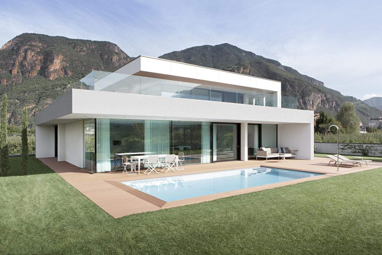 Új építésű modern családi ház épitése generálkivitelezés Balatonalmádi